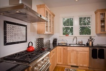 (DP) Compact Kitchens - Showplace Cabinets / Images of compact kitchen layouts from Showplace Cabinetry and its nationwide network of dealers.