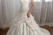 Wedding: Dresses / by Samantha Maietta