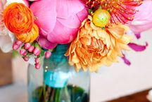Flowers and Arrangements / by Emily Mantz