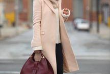 Stylish women's coats. Стильное пальто.