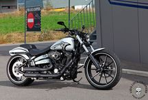 "CVO Harley ""Breakout White & Black"" by Vida Loca Choppers / CVO Harley Breakout White & Black Designed by Vida Loca Choppers Switzerland in 2016"