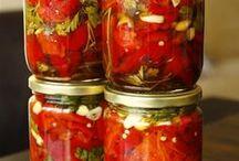 közlenmiş kırmızı biber turşusu