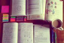 Szkoła, nauka / Znajdziesz tu zdjęcia kojarzące się z nauką, notatkami