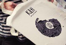 Sérigraphie Kilti / Sérigraphie, étape de fabrication d'illustrations sur papier et textile pour les paniers culturels Kilti Paris.