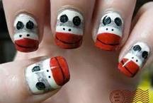 Nails ..super cute! / by Danielle Murtagh