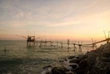 La Costa dei Trabocchi / Corrisponde al tratto di litorale Adriatico della provincia di Chieti (Abruzzo) segnato dalla diffusione del trabocco, macchina da pesca su palafitta!