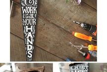 CHALK IT UP- Everything DIY CHALKBOARDS / It is amazing what you can make with chalkboard paint. Here you will find great ideas that you can use to decorate your home, sell at markets, or gift. Using Chalkboard Paint is easy, quick and an inexpensive way of turning something old into something new