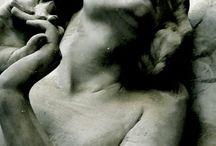 sculpture / beautiful sculpture