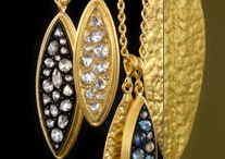 Jewelicious / Jewelry & Stuff / by Marianna Morris