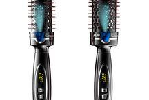 Produits HAIRCUT / HAIRCUT fabrique du matériel de coupe pour les coiffeurs et barbiers depuis plus de 40 ans. Spécialiste des tondeuses et des ciseaux de coiffure professionnels. Distribuée exclusivement par Jacques Seban www.jacques-seban.com