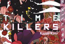 Time Killers (one-shot) / Quel est le point commun entre un lycéen justicier, un lapin ninja, un indien des plaines, une menace extraterrestre et un exorciste démoniaque ? Ne cherchez plus ! À travers ce recueil de nouvelles, Kazue Katô nous emmène à la découverte de son univers riche et déjanté, nous faisant passer avec magie du fantastique à la comédie et du western à la science-fiction, pour finir sur l'épisode pilote de ce qui deviendra son futur succès : Blue Exorcist.