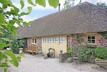 Thatched cottages / Thatched cottages in UK, romantic cottages, english country cottages