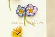 Crochet flowers and motifs