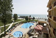 Enjoy your time at the Pool / Hotel Modern from Mamaia, at the Black Sea, invites you to spend your vacantion here.