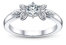 Budget Bride Engagement Rings / Our favorite engagement rings under $1000.  / by Robbins Brothers