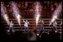 98 Degrees / Images of 98 Degrees taken by concert photographer David Block