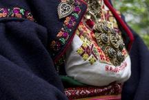 Bunad / Telemark bunader, med tilbehør. Stakk og liv. Alternative farger og kombinasjoner.