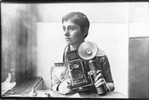 "Diane Arbus | masters of photography / Diane Arbus (New York City, (14-03-1923 – 26-07-1971)  was an American photographer and writer noted for black-and-white square photographs of ""deviant and marginal"" people"
