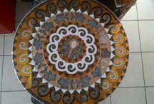 Bella's Mandalas / Micro empresa brasileira que trabalha com arte, mandalas, decoupagem, cartonagem, pastel seco, pintura em tela, mobiles e muito mais. Apoie os artesãos locais da sua cidade divulgando e comprando suas obras.