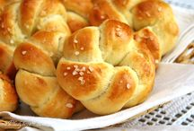 Chléb, různé jiné pečivo...