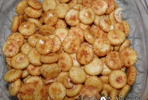 Food: Appetizer and Snack Ideas / by Tammie Cortezz