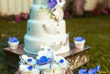 Blue Orchid wedding cake * Dulce by Paula / Blue Orchid & purple pearls wedding cake