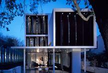 Verdant Avenue / Contemporary House in Toorak