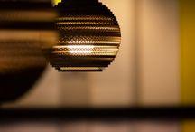 Graypants / Graypants is een unieke designstudio, gestart in 2008 in Seattle. De oprichters Seth, Jon en Alan zijn creatieve geesten en houden zich bezig met productontwerp, architectuur en andere 'fun things in the world.' Graypants is vooral bekend geworden om haar prachtige lampen uit de Scraplights serie. Alle scraplights zijn volledig gemaakt van gerecycled karton. De lampenkappen zijn handgemaakt en verschillen onderling in vorm. Hiermee haal je echt een unieke lamp in huis.
