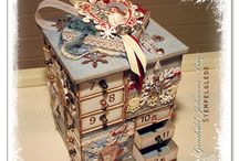 Tulitikkulaatikko joulukalenterit ja muuta tulitikkulaatikoista tehtyjä.