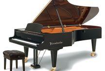 Pianos / Alquiler de Pianos verticales y de cola de todas las medidas para tu boda, evento, concierto, tv, publicidad, etc,etc.