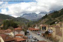 Potes estés donde estés. / La visión del Centro de Estudios Lebaniegos enmarcado entre los Picos de Europa.