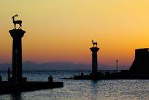 Rodos Adası / Rodos Adası, Yunan Adaları'nın merkezi olarak sayılır. Rodos Turları ile boydan boya uzanan sahiller adanın en güzel yanlarını görebilirsiniz.