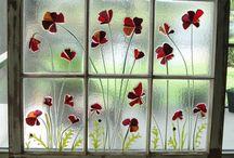 Glass / Poppy