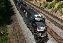 Motorek 810 / Železnice a cestování vlakem