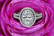 Javda Halo Rings / Take a look at our Exquisite Halo Engagement Rings!
