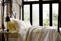 Bedrooms / Bedrooms ideas for all tastes: boho bedrooms, master bedrooms, small bedrooms, dream bedroom, cozy, shabby chic, etc.