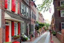 Walking tours around the world / I love walking tours. You see so much more of a city on foot.