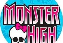 MONSTER HIGH / by Magali Caron
