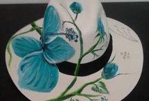 kapelusze malowane