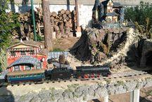 maqueta de tren reciclada