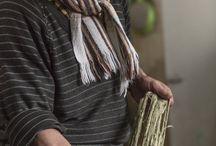 Los oficios | Barniz de pasto / Preparar la resina del mopa - mopa, es uno de los procesos que da vida a una artesanía con siglos de tradición y única en el mundo: Barniz de Pasto. Los oficios | http://bit.ly/20U0bv6