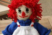 poupée au tricot