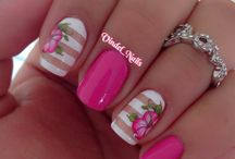 **floral nails / by Cheyenne Autumn