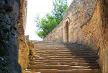 Ancient Stairs / Old ancient stairs