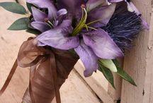 Buquês, flores e decorações