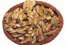 Lupanie orechov