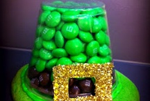 St. Patty's Day / Get ready for St. Patty's Day with craft, outfit, treat and party ideas! / by BiggerBooks