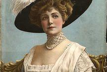 1900's Female Clothing / by Nadine Baylis