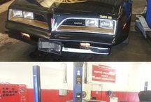 Voitures exceptionnelles des années 70 / Les voitures de prestige dattant des années 70, venues dans nos magasins.