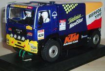 Dakar vozy a závodní